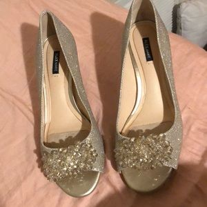 Cute wedges heels with beading in front